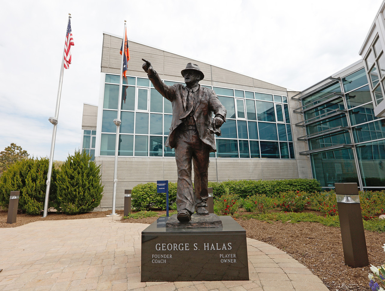 George Halas, Halas Hall in Lake Forest, Ill.