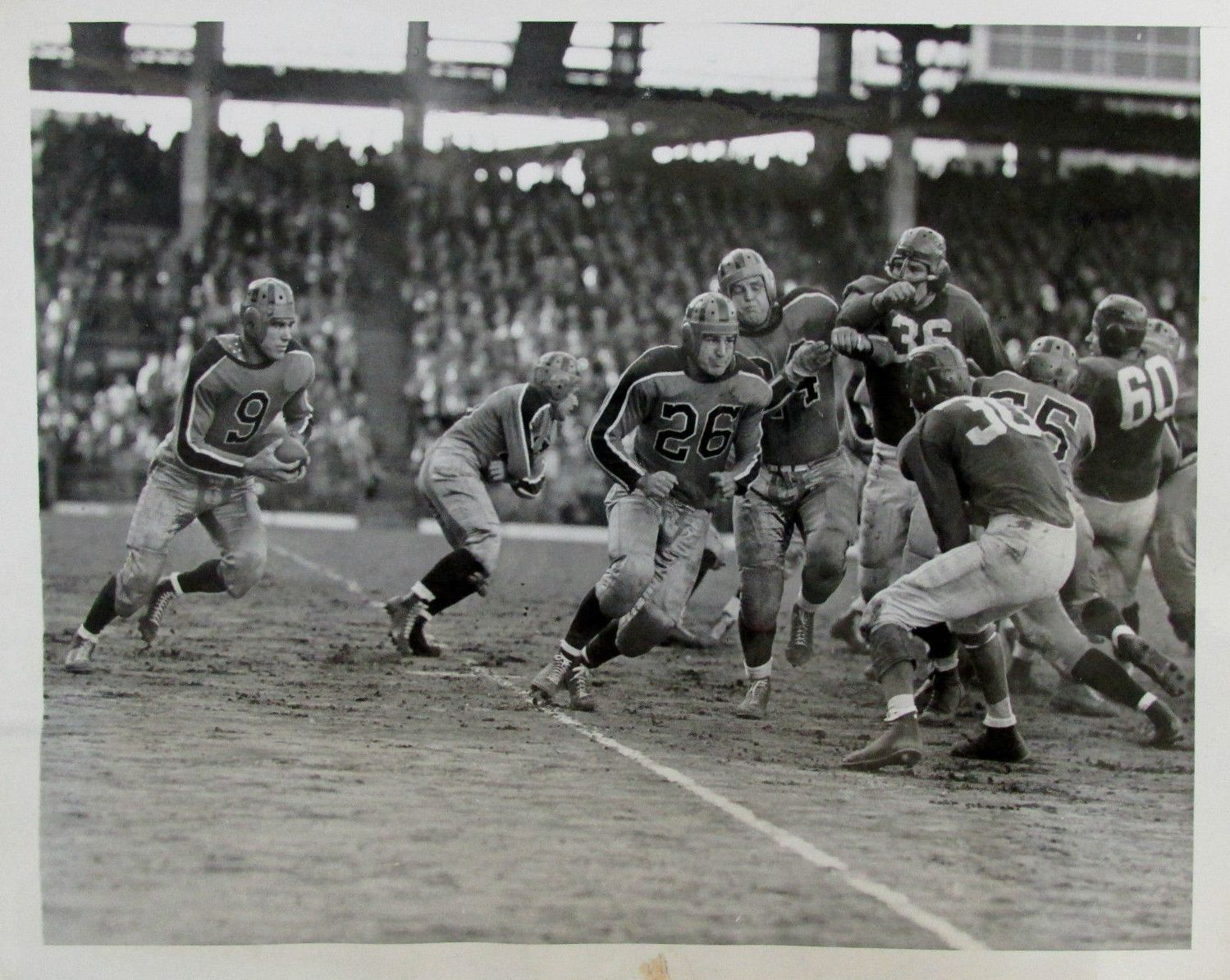 New-York-Giants-at-Brooklyn-Tigers-October-15-1944