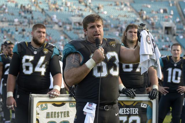 [NFL] Brad Meester: il centro che riceve