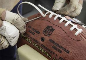 nfl pallone  NFL] Super Bowl: Wilson ed i palloni ufficiali | Huddle Magazine