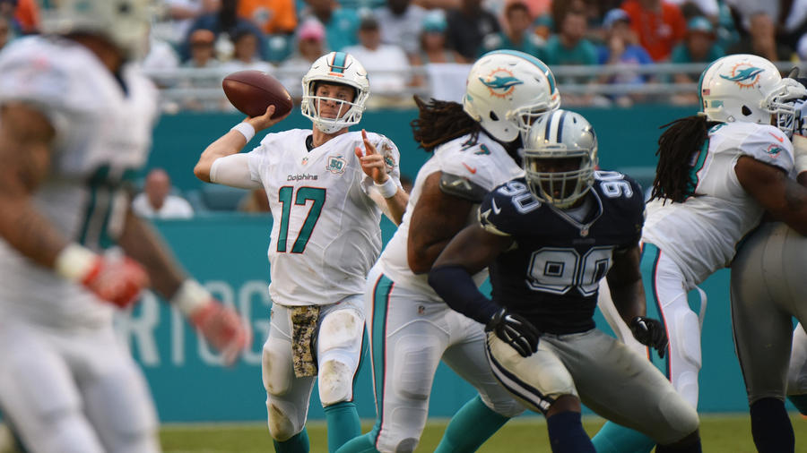 Tannehill-dallas-cowboys-at-miami-dolphins