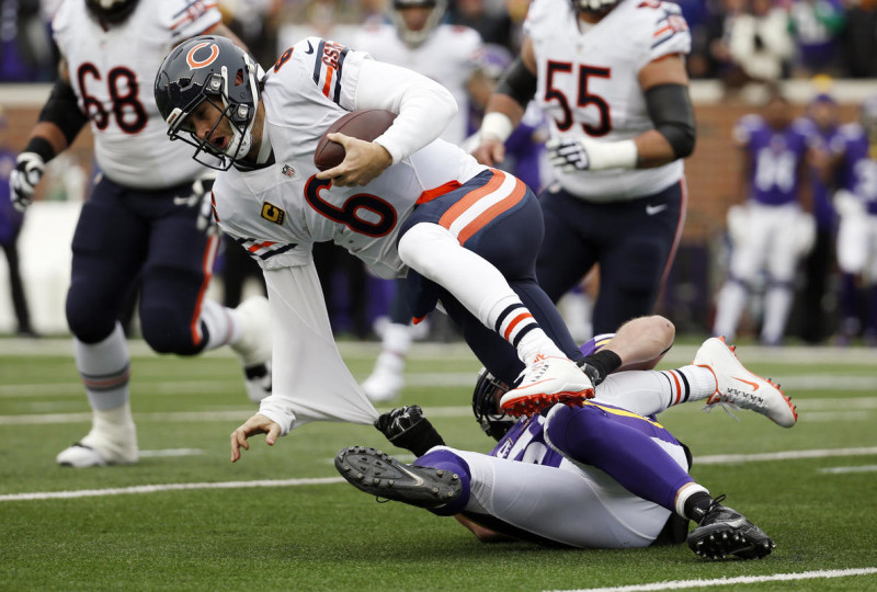 Chicago Bears quarterback Jay Cutler (6) is sacked by Minnesota Vikings outside linebacker Chad Greenway during the first half of an NFL football game, Sunday, Dec. 20, 2015, in Minneapolis. (AP Photo/Alex Brandon)