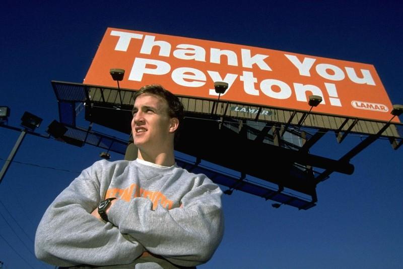 Tennessee ringrazia Peyton per essere rimasto all'università