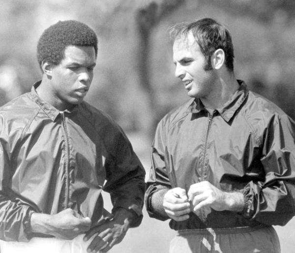 Gale Sayers e Brian Piccolo