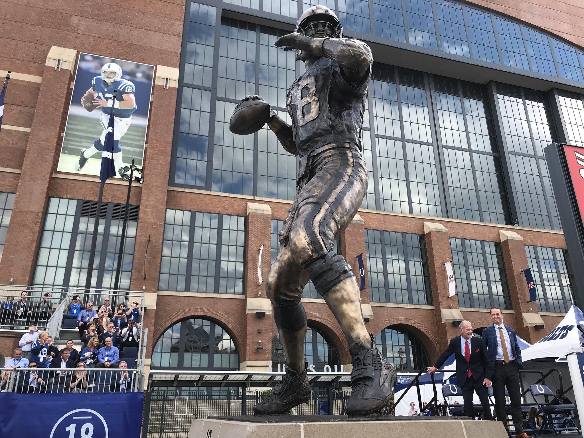 Una statua per Peyton Manning