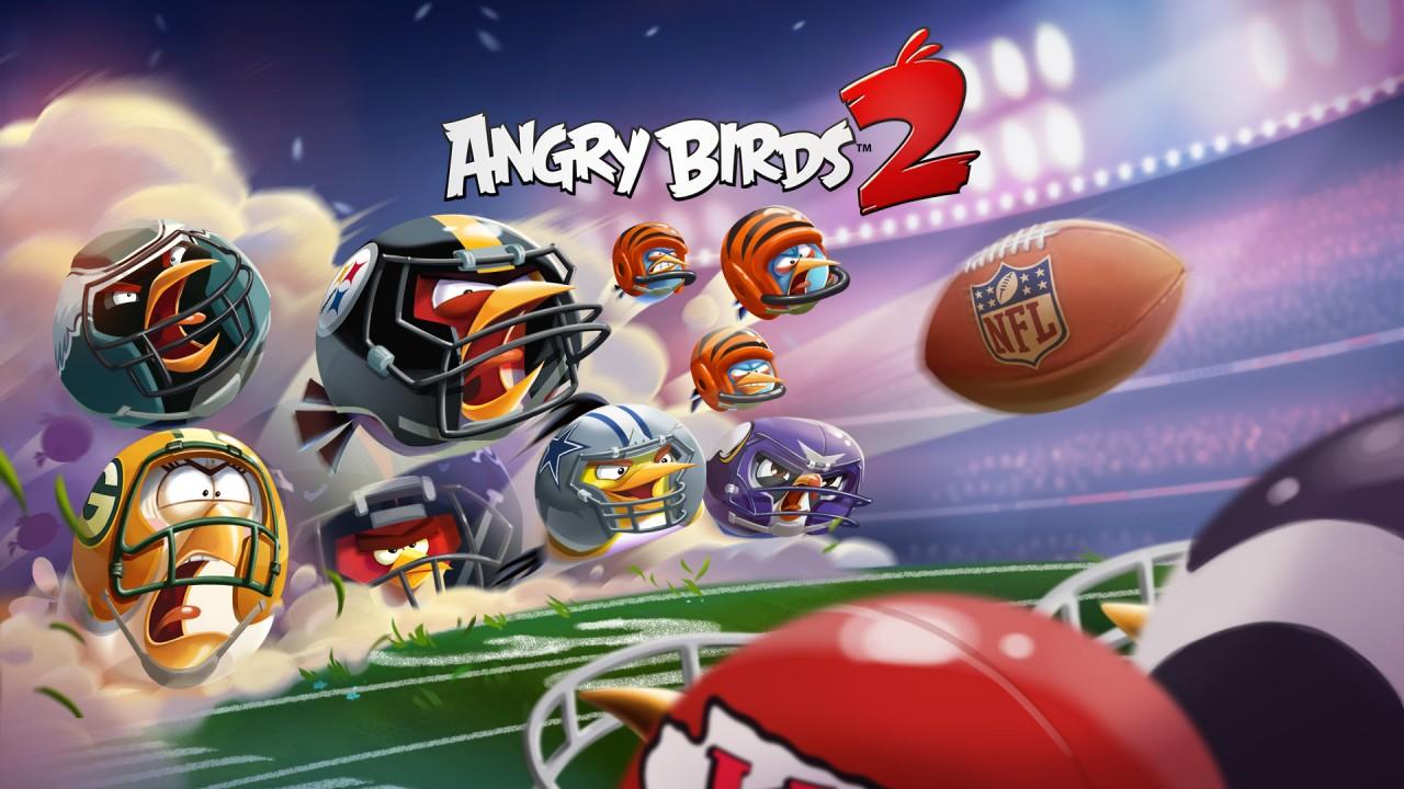 Giocare ad Angry Birds con caschi e logo delle squadre NFL