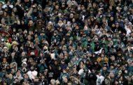 I tafferugli fuori e dentro lo stadio di Philadelphia