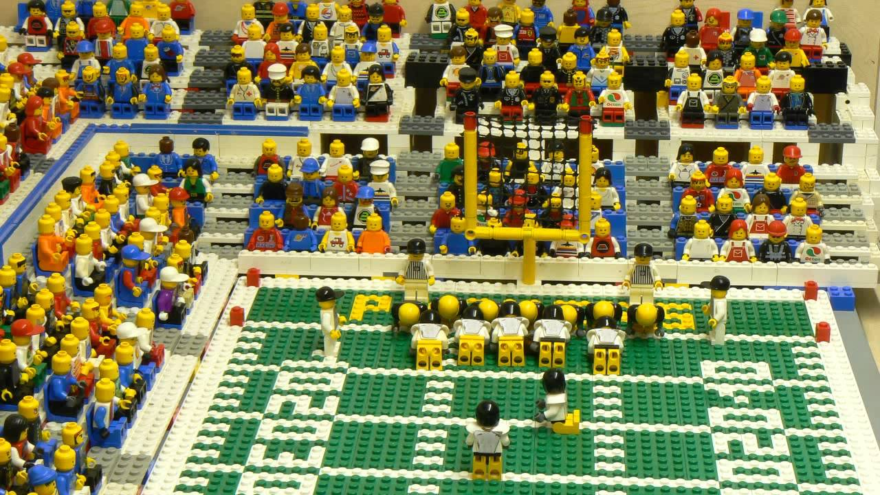 Gli highlight di alcuni Super Bowl con i Lego