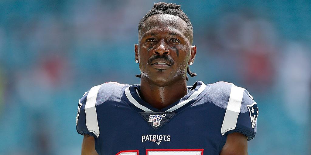 Antonio Brown è stato tagliato dai Patriots