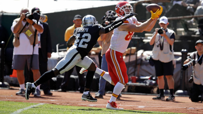 kelce chiefs raiders