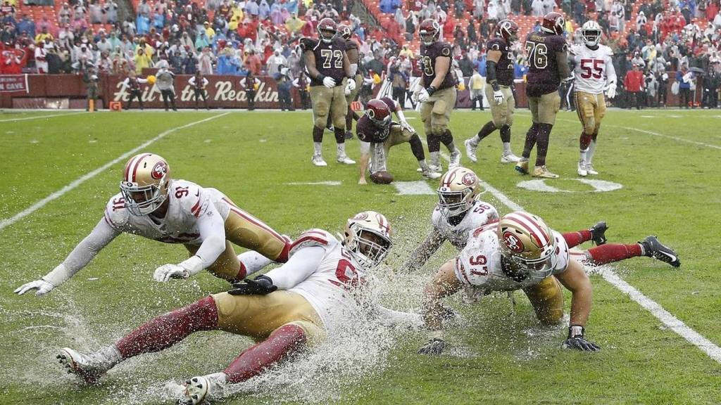 Mud Bowl (San Francisco 49ers vs Washington Redskins 9-0)