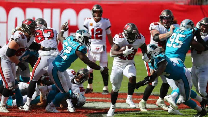 Fournette Buccaneers Panthers