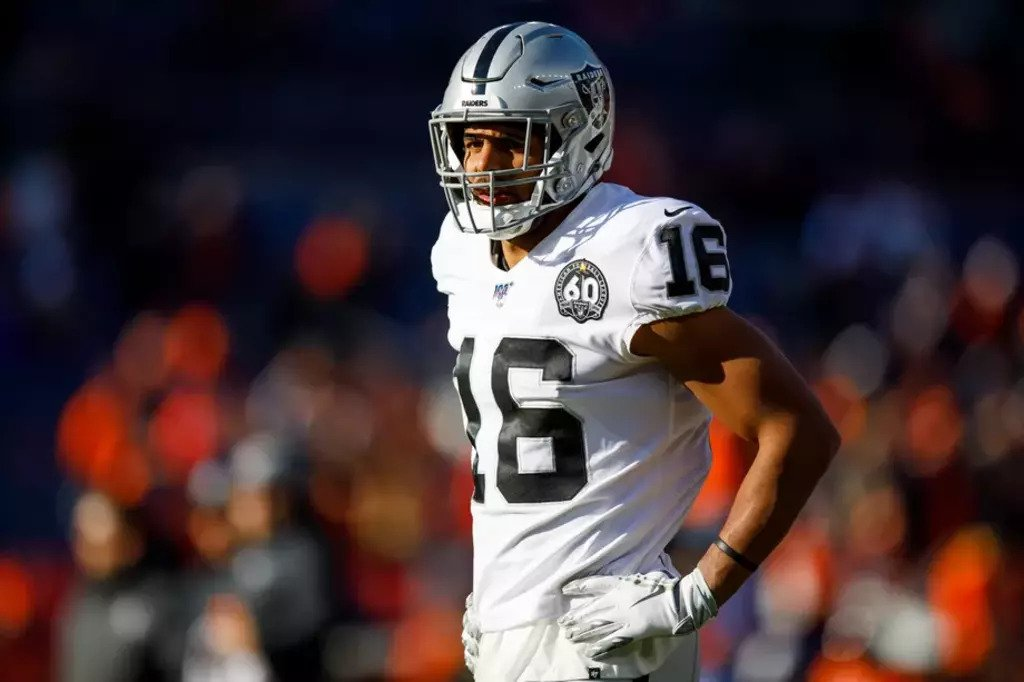 Tyrell Williams saluta i Las Vegas Raiders