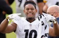 JuJu Smith-Schuster firma nuovamente con gli Steelers